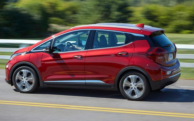 Chevrolet Bolt elétrico chega em outubro: preço R$ 175 mil