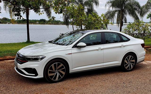 VW Jetta GLI 2.0 Turbo: sedã médio familiar com alma de Golf GTI - avaliação, preço, performance e consumo